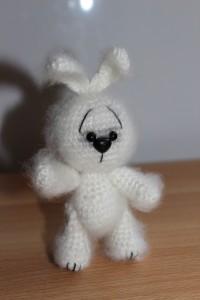 Мастер-класс: вязаный заяц в стиле Саманты Люттеротти