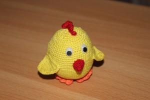 Вязаный цыпленок