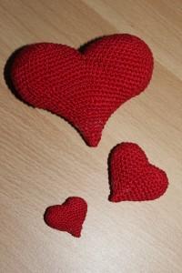 Сердечки, вязаные крючком