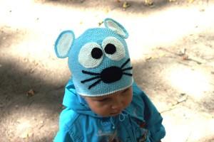 "Детская шапка ""Мышка"" с ушками, вязаная крючком"
