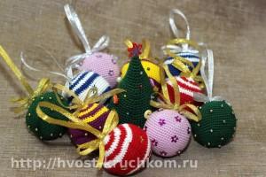 Вязаные шарики на елку